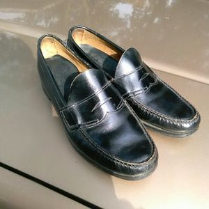 Bass Weejuns Penny Loafers...